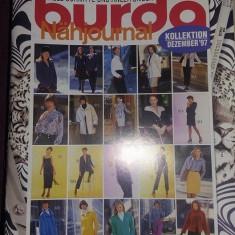 Revista de Croitorie, moda-tipare BURDA 1994-03-93, modele LUX-Clasice, Tp.Gratuit - Rochie ocazie Anne Weyburn, Marime: 38, Culoare: Bleu