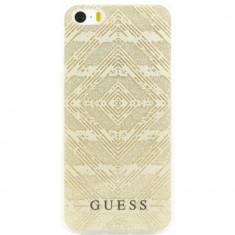 Husa Protectie Spate Guess GUHCPSETGGBE Aztec 3D Effect Bej pentru APPLE iPhone SE - Husa Telefon