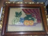 Tablou vechi cu rama originala,tablou tesut tip Goblen,cu geam,Tp.Gratuit