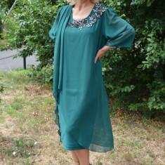 Rochie fashion de ocazie cu voal aplicat asimetric, nuanta verde (Culoare: VERDE, Marime: 56) - Rochie de seara