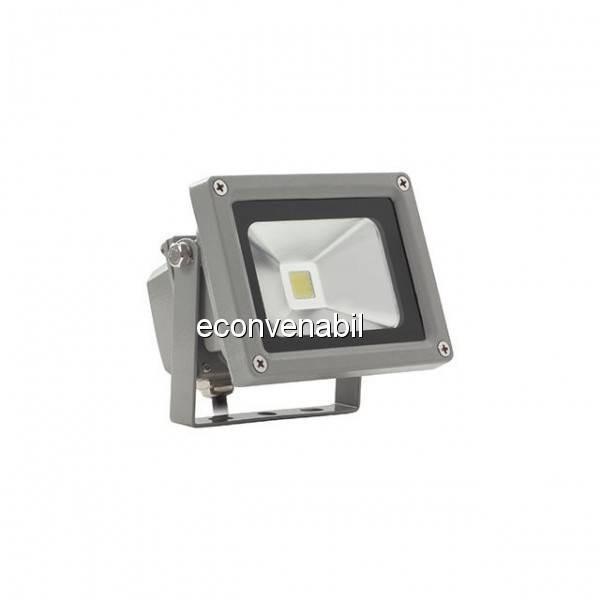 Proiector LED 10W Lumina Calda Alimentare 220V foto mare