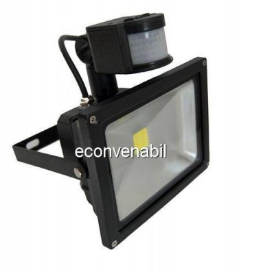 Proiector LED 30W cu Senzor Miscare Alb Rece 220V foto