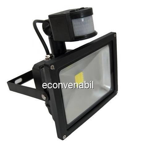 Proiector LED 30W cu Senzor Miscare Alb Rece 220V foto mare