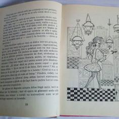 Peripetiile Alisei in Tara Minunilor - Lewis Carroll, carte ilustrata, 1976 - Carte de povesti