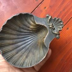 Scrumiera deosebita din bronz / model scoica !!!