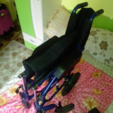 Carucior pentru persoanele dizabile - Scaun cu rotile