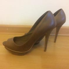 Pantofi Bershka noi - Pantof dama, Culoare: Maro, Marime: 37, Cu toc