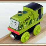Thomas and Friends ✯ Rare Wooden Railway ✯ SCRUFF ✯  Magnetic Train ✯ 2003