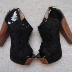 PLATFORME NEGRE DAMA DANTELA LAC TOCURI LEMN 14 FERMOAR SPATE BOTINE VARA CLUB - Pantof dama, Culoare: Negru, Marime: 37, Piele sintetica, Cu platforma