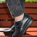 Pantof sport de culoare neagra, model simplu cu bareta cu scai (Culoare: NEGRU, Marime: 37) - Pantof dama