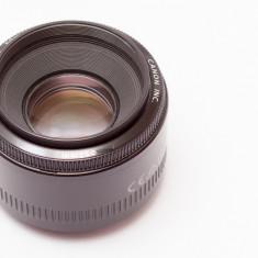 Obiectiv Canon 50mm f/1.8 II - Obiectiv DSLR