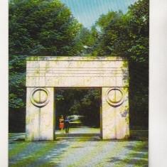 Bnk cp Targu Jiu - Poarta Sarutului - necirculata - marca fixa - Carte Postala Oltenia dupa 1918, Printata