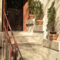 Inchiriez apartament in zona Unirii, parter in vila, 82.00 mp - Apartament de inchiriat, Numar camere: 3, An constructie: 1980
