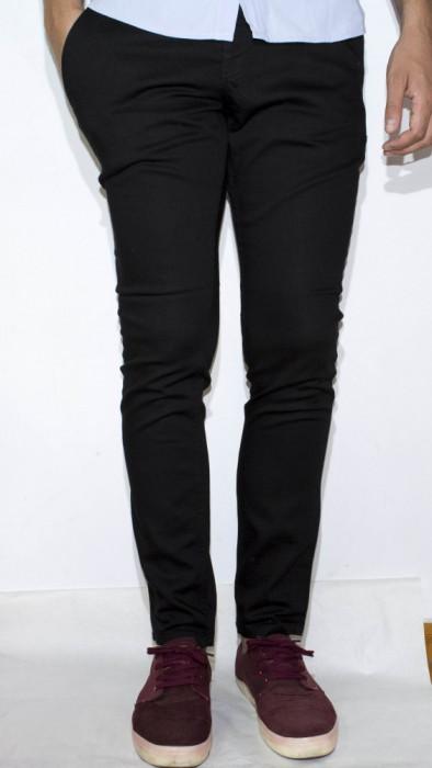 Pantaloni eleganti pantaloni barbat pantaloni conici LICHIDARE DE STOC cod 143