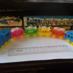 bnk jc Trenulet de plastic vechi - Birthday train candles holder