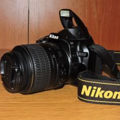 Vând aparat NIKON 3100 - Aparat foto DSLR
