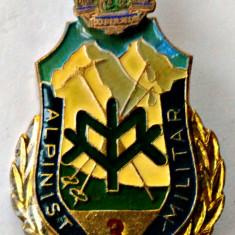 INSIGNA VANATORI DE MUNTE SPECIALIST DE CLASA 3 ALPINIST MILITAR ARMATA MApN