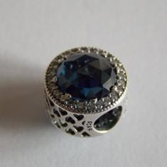 Talisman Pandora din argint -inimi stralucitoare, albastru nocturn -791725NMB