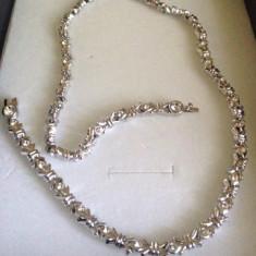 Colier LUXURY -placat cu aur alb 18k si cristale zirconia albe- STANTAT - Colier placate cu aur