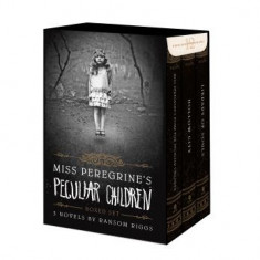 Miss Peregrine's Peculiar Children Boxed Set - Carte in engleza