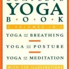 Complete Yoga Book - Carte in engleza