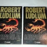 ROBERT LUDLUM - ILUZIA SCORPIONILOR Vol.1.2. - Carte politiste