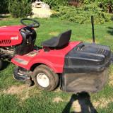 Tractoras de tuns gazon