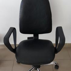 Scaun de birou negru, Piele ecologica