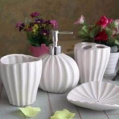 Set 4 piese pentru baie - ceramica CREM - Set accesorii baie