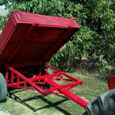 Remorca agricola basculabila