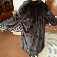 Palton blana de nurca