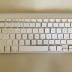 Tastatura Apple wireless A1255 - perfect functionala, Fara fir, Bluetooth