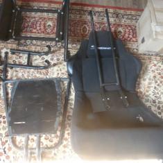 Consola Logitech cu scaun metalic mare ( Play games Seatle ), pedale, maneta