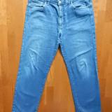 Blugi Versace Jeans Couture; 91 cm talie, 104 cm lungime, 78 cm crac etc; ca noi
