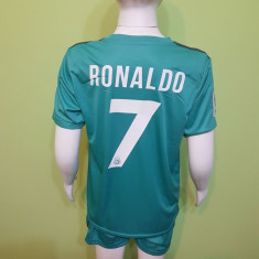 SET ECHIPAMENT RONALDO REAL MADRID SEZON 2017-2018 4-15ANI - Echipament fotbal, Marime: XL, L, M, S, XS, Set echipament fotbal