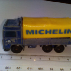 Bnk jc Matchbox - Volvo truck Michelin - 1/90 - Macheta auto
