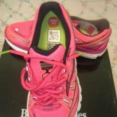 Pantofi alergare dama Brooks Transcend - nou Marime 38, 5 - Adidasi dama Brooks, Culoare: Roz