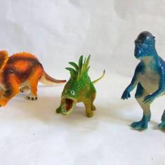 Lot 3 figurine dinozauri plastic, cca 13-16cm lungime - Figurina Dinozauri