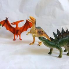 Lot 4 figurine dinozauri de calitate buna, cca 16-22cm lungime, frumos pictati - Figurina Dinozauri