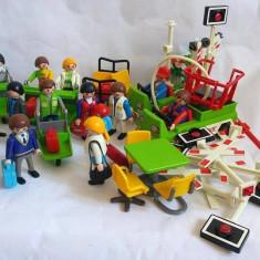 Lot figurine diverse Playmobil aeroport (calatori, vamesi, masinute pt bagaje, ) - Set de constructie