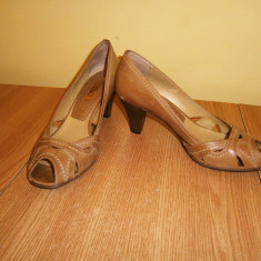 Pantofi dama decupati, Veronella, marimea 37, piele! - Pantof dama, Culoare: Din imagine, Cu toc