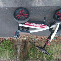 Kart cu pedale Berg model Fiat 500, model deosebit! Berg Toys