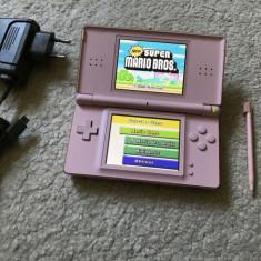 Nintendo DS LITE MODAT cu jocuri instalate Zelda, Mario si 5 versiuni Pokemon