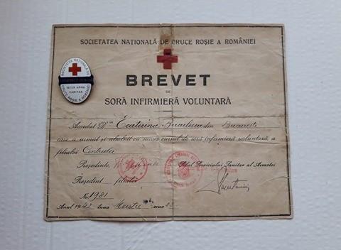 Brevet + Insigna Sora Infirmiera Voluntara , Inter Arma Caritas, Cruce Rosie WW2