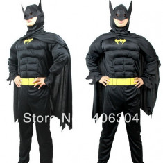 "COSTUM BATMAN ""CU MUSCHI"" ,BONUS SPINNER SENZATIONAL BATMAN,TOATE VARSTELE.NOU."