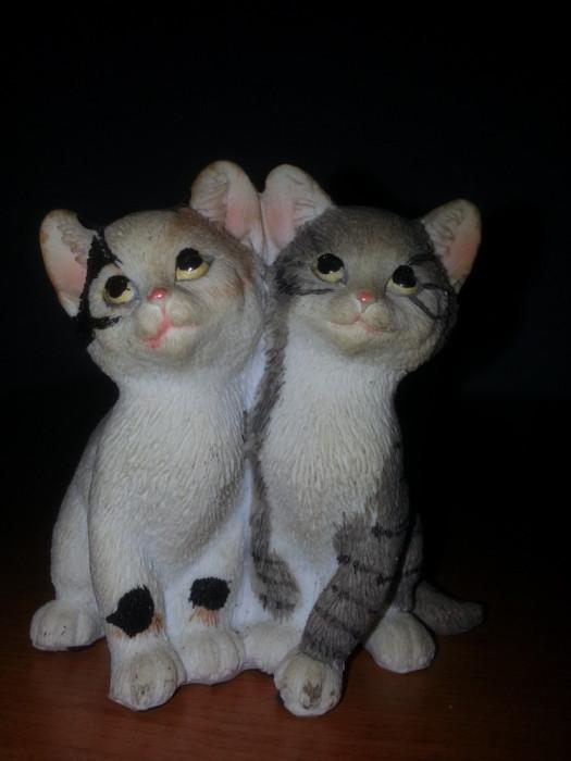 Figurina-Statueta - Bibelou pisica-pisici