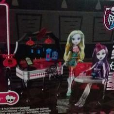 Drakulaura +Mobilier Monster High - Papusa Mattel, 6-8 ani, Fata
