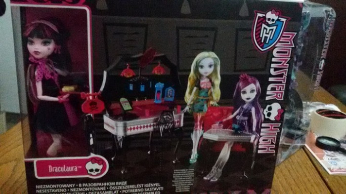 Drakulaura +Mobilier Monster High