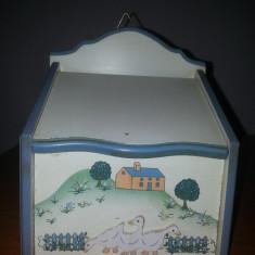 Artizanat -Cutie lemn sare/faina de perete, pictata manual handmade
