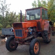 Tractor U 650+plug 3 brazde